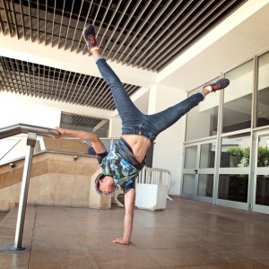 Street moves by the Palais des Festivals