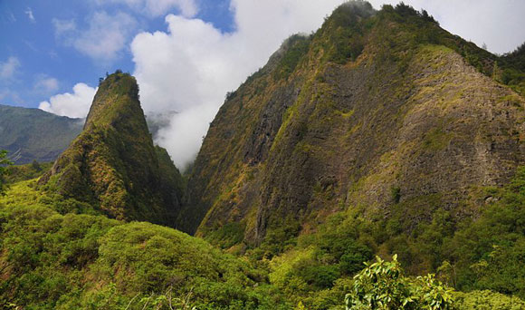 Iao Valley State Park by Janhatesmarcia